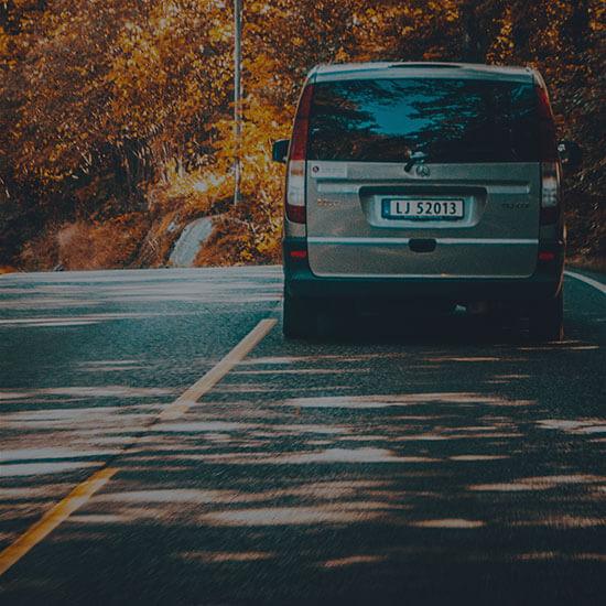 ¿Qué es la fianza o bloqueo en tarjeta en el alquiler de coches?